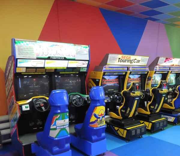 В магадане продолжают работать игровые автоматы как выиграть в игровые аппараты обезьянк